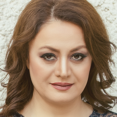 Headshot of Nasrin Javid
